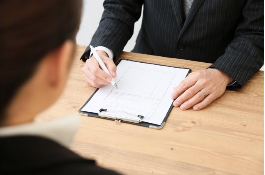 採用面接における面接官の3つの心得とは?質問例やコツも紹介