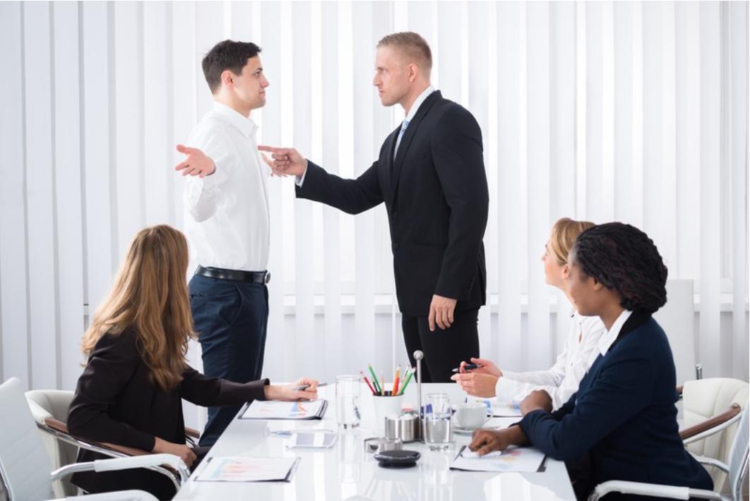 モンスター社員とは?4つの特徴&対応方法と解雇